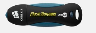 CORSAIR Voyager 64GB USB3 flash drive (max 190MB/s čtení, max 55MB/s zápis, vodě odolný a pogumovaný